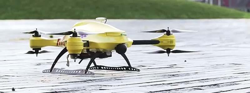 Drone défibrillateur : le défibrillateur volant